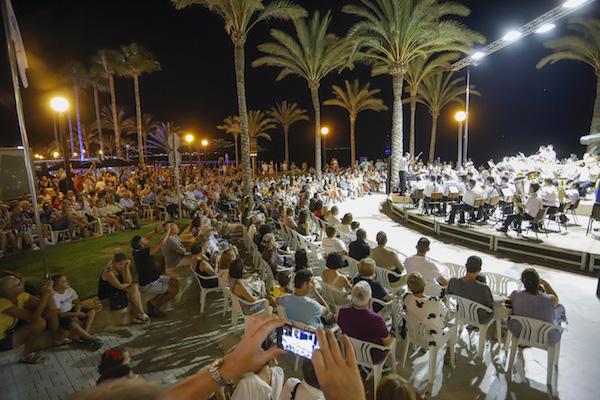 https://www.festivaldelalfas.es/wp-content/uploads/2020/07/Cultura_estiu-festiu-concierto-la-lira-02.jpg